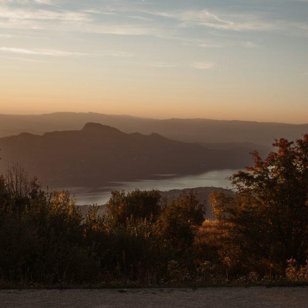 Coucher de soleil sur le lac du Bourget Savoie