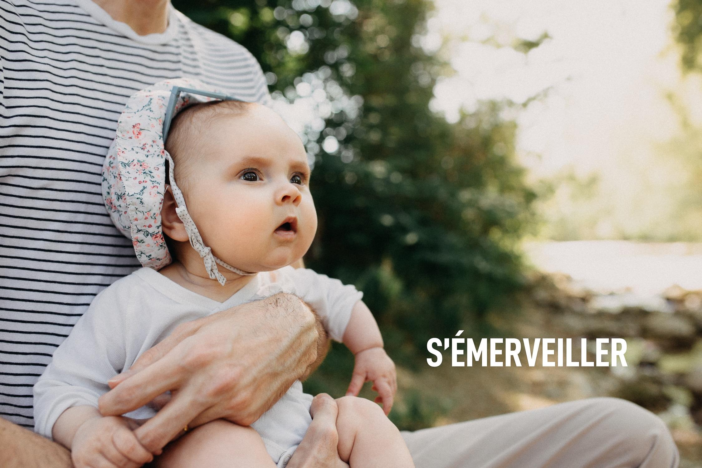 Photographe bébé le long du Sierroz à Aix-les-Bains